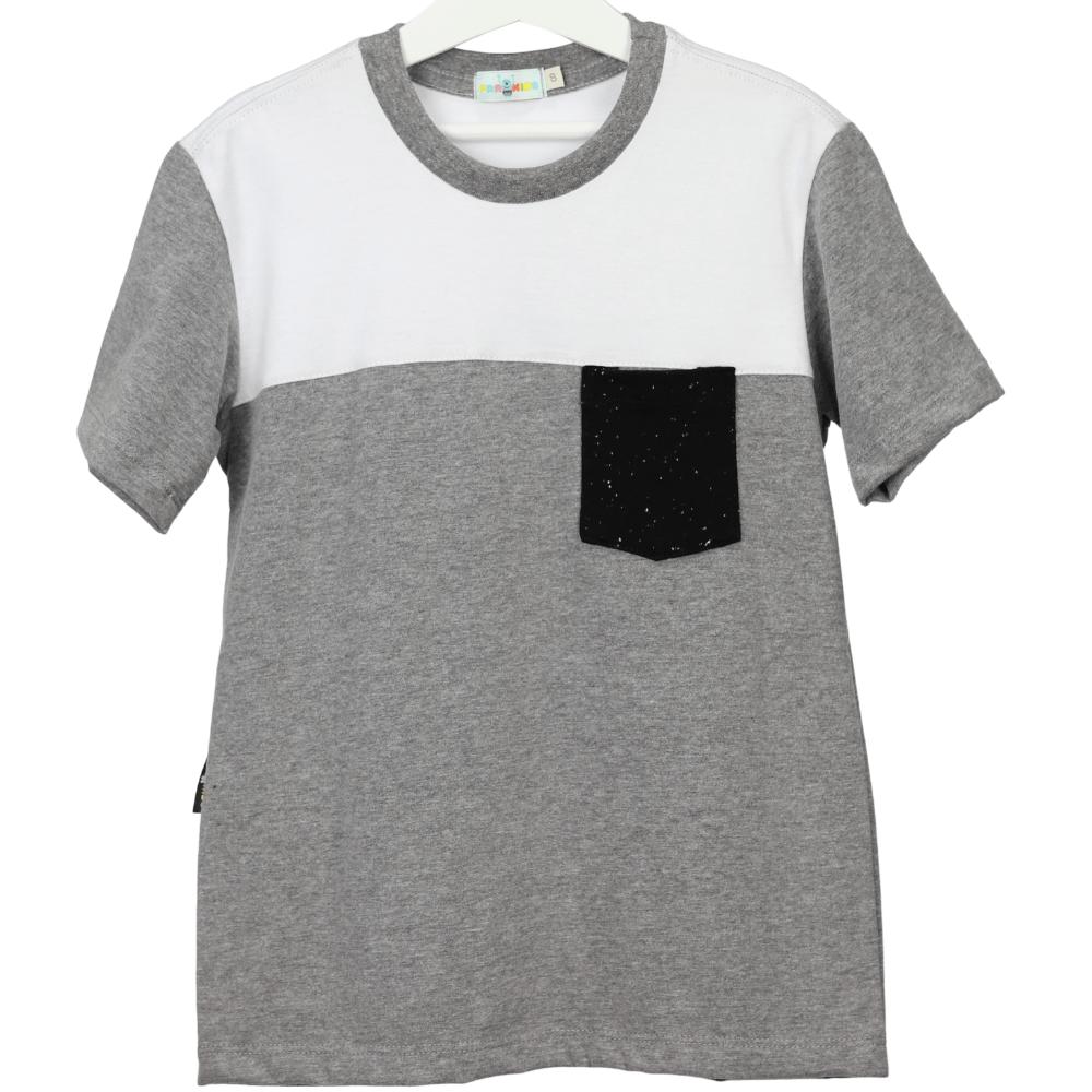 Camisa Infantil Cinza Branca com Bolso Preto