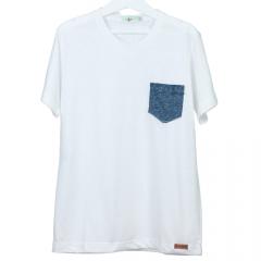 Camisa Branca Malha Podrinho com Bolso Azul